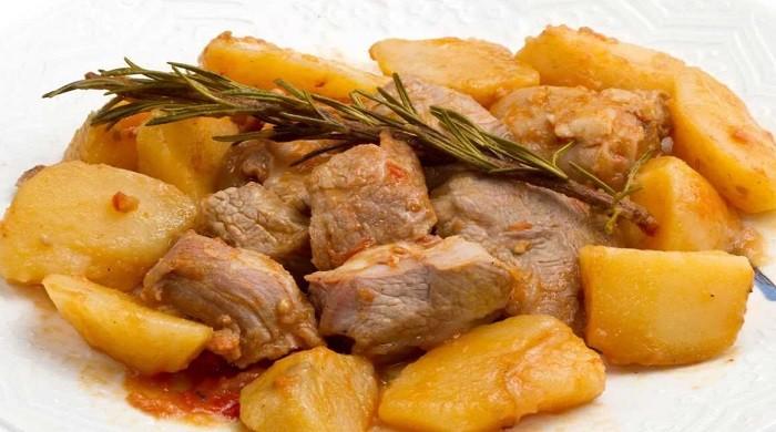 Как готовить картошку с мясом быстро и вкусно по простым рецептам дома