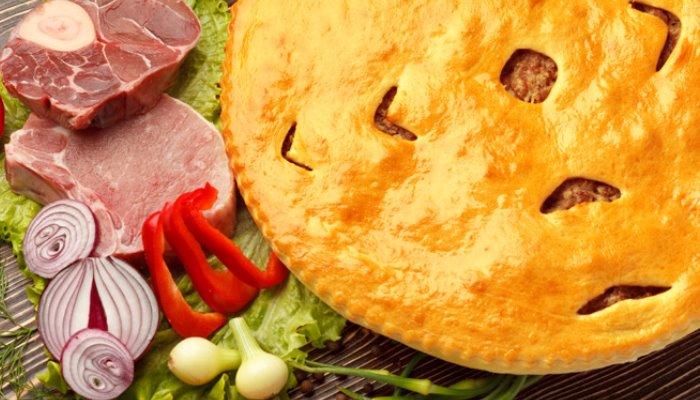Дрожжевой пирог с мясом и рисом