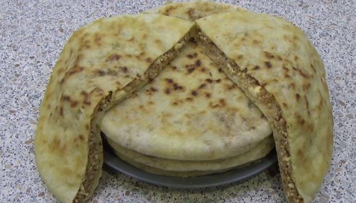 Мясной осетинский пирог с сыром