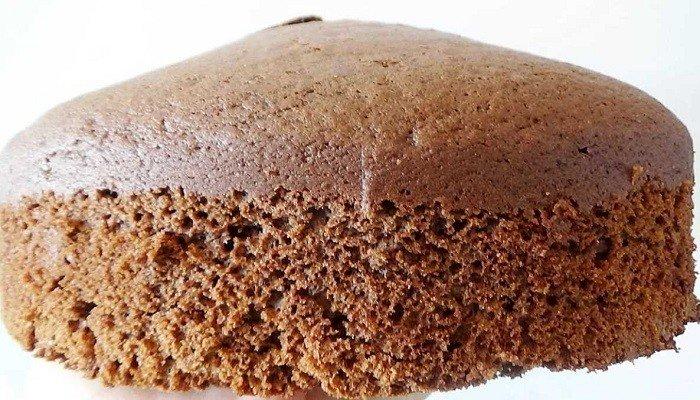 Пышный бисквит на кефире в духовке