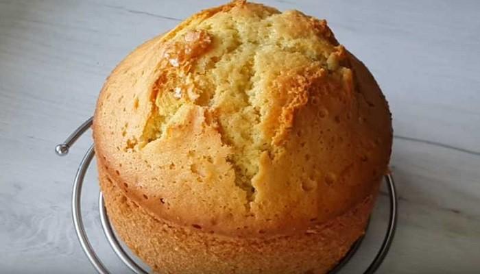Простой и вкусный рецепт бисквита на кефире