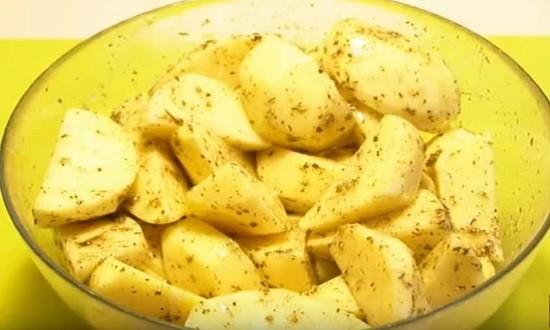 маринуем картошку