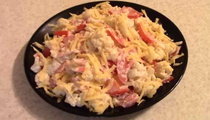 Витаминный салат из цветной капусты
