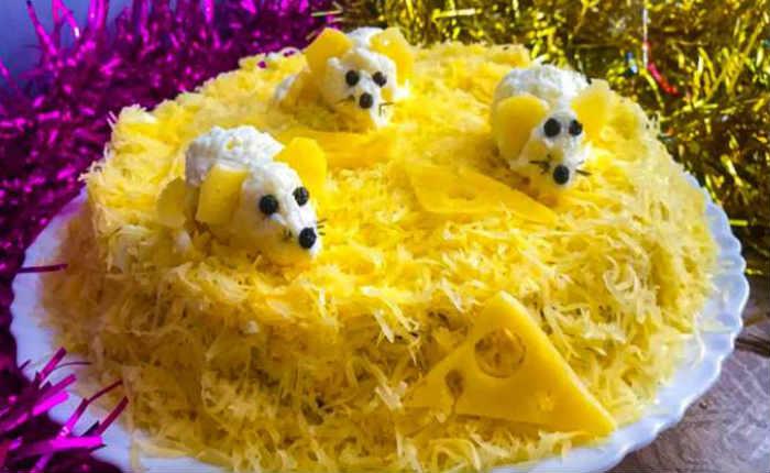 Слоёный салат Мышки