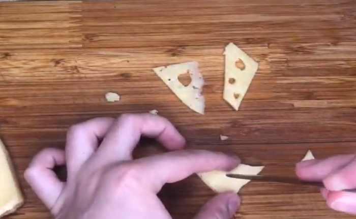 режем сыр