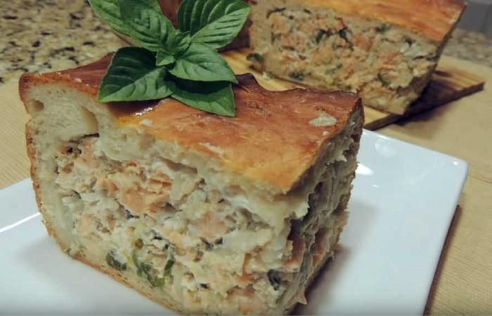 Рыбный пирог с лососем в духовке