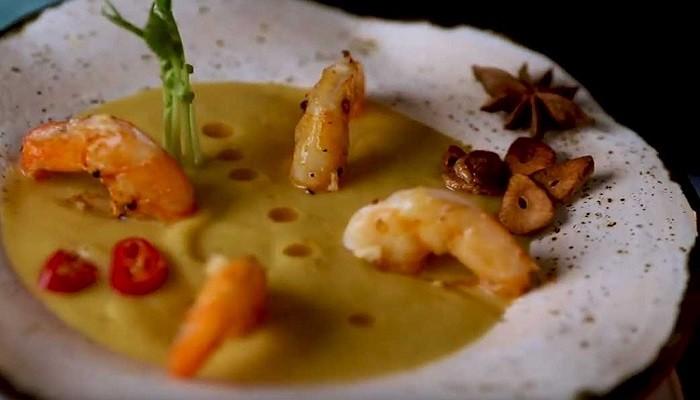Суп пюре с креветками и кокосовым молоком