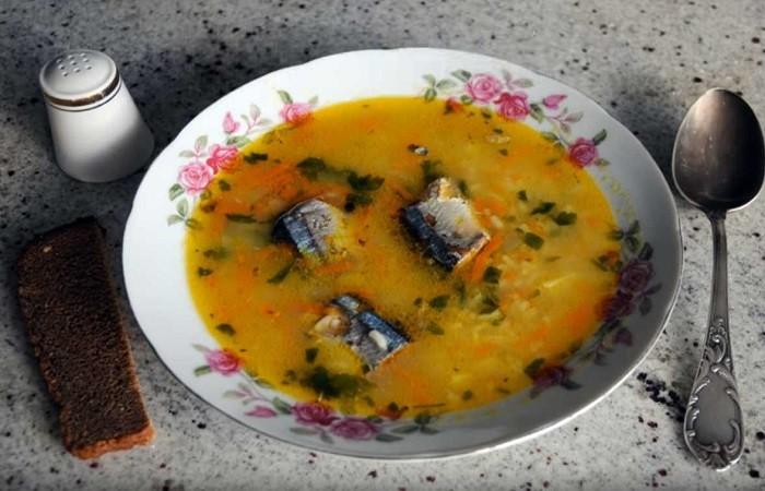 Суп с сайрой, картошкой и рисом