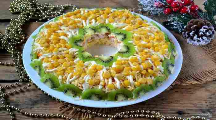Бесподобно вкусные салаты на Новый год, первыми сметаются со стола