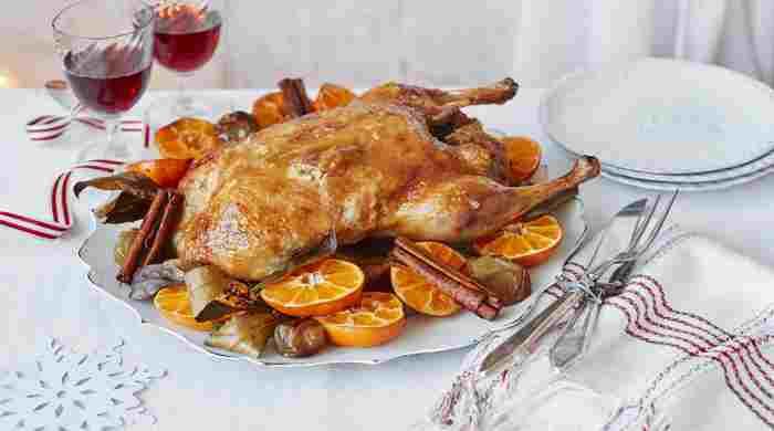 Сочная утка в духовке целиком в фольге — рецепты с хрустящей корочкой в домашних условиях