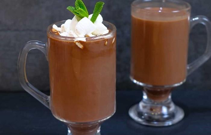 Вкусный какао на молоке