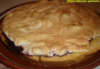 Пирог с смородиновым вареньем