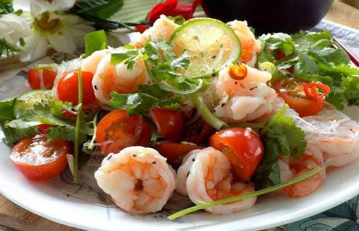 Салат с креветками и вермишелью