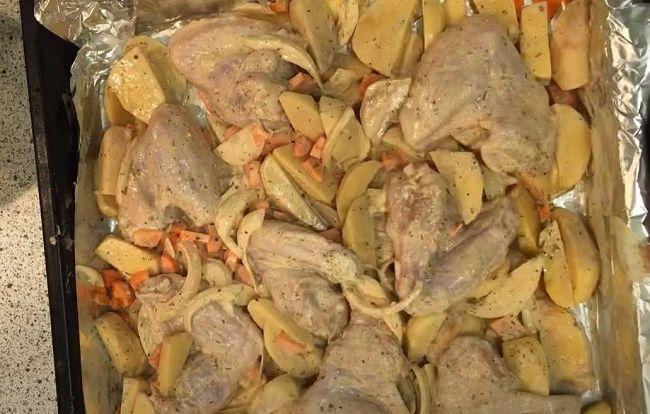 крылышки на картофеле