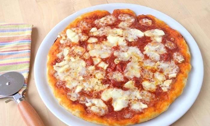 пицца с тестом