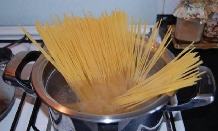 варим спагетти